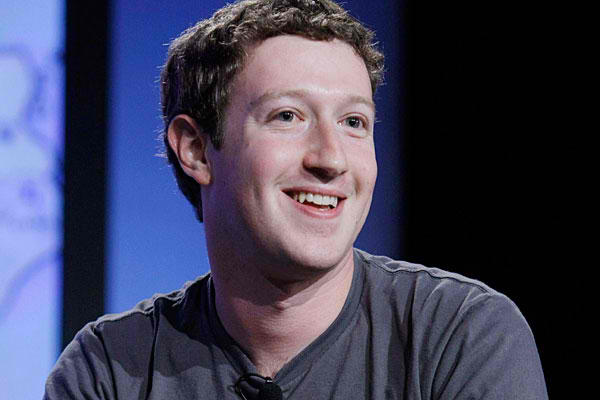 Facebook CEO Concedes Missteps, But Says World 'Underestimating' Mobile Opportunity